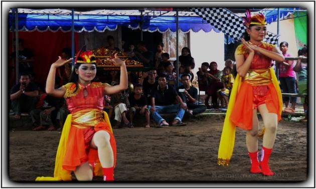 Tari Angguk Ndolalak oleh Sanggar Ngrenas Janti Nanggulan Kulon Progo SMKI Yogyakarta